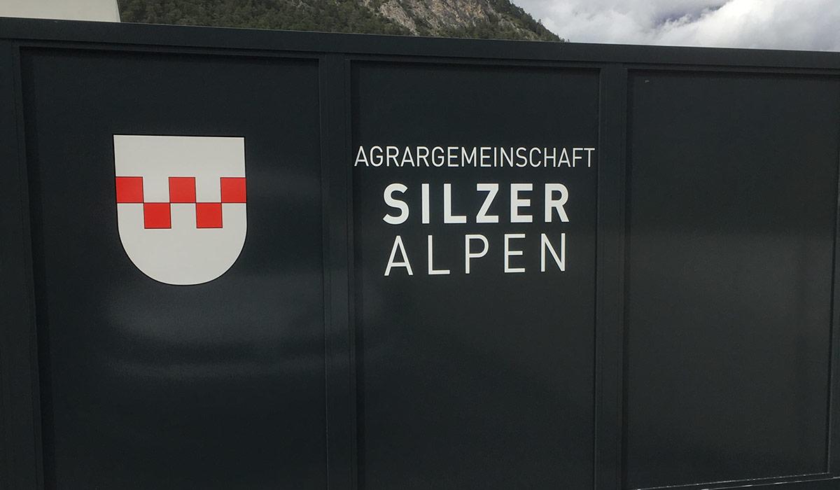 Agrargemeinschaft Silzer Alpen Torbeschriftung